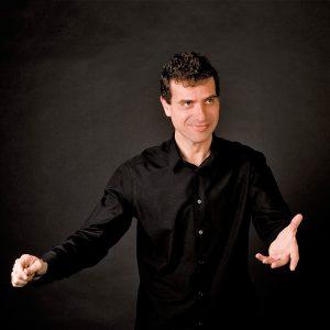 javier-corcuera-director-orquesta