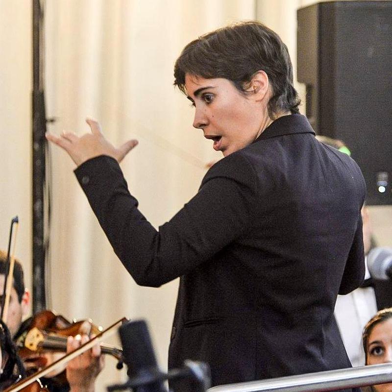 claudia-dube-directora-orquesta